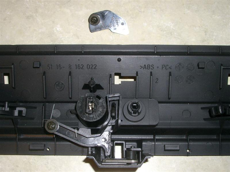0c93b264079ac991cc823d9ec9d1b6e6  BMW E36 Glovebox Lock Removal