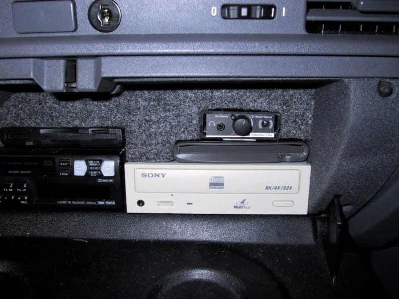 4d7310a2b54a27db65b57f1bc65c752b  BMW E36 Valentine One (V1) Install
