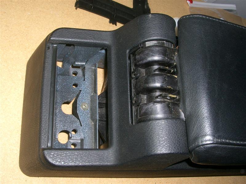 52184cc7fd98d2d20cc786a678fba29b  BMW E36 Arm Rest Removal