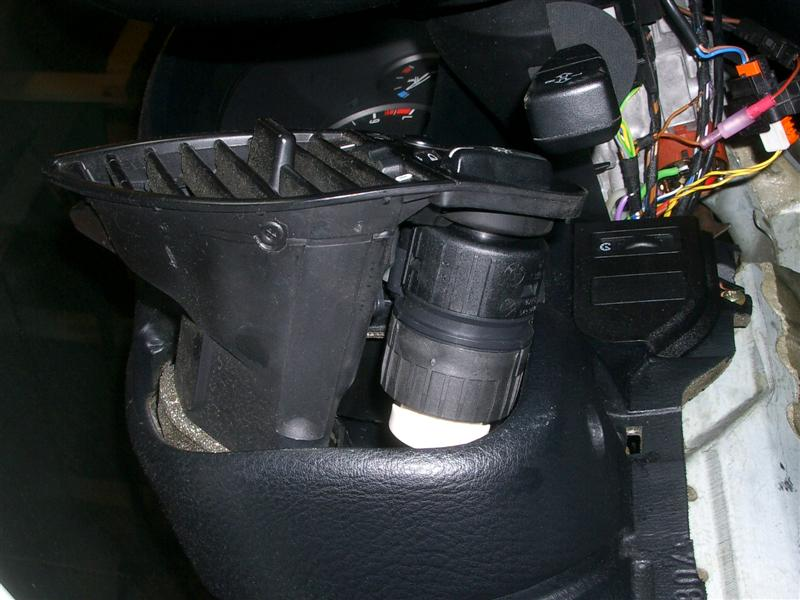 98336b29b3b7b2da7cbfb4c2317b81b4  BMW E36 Light Switch Removal