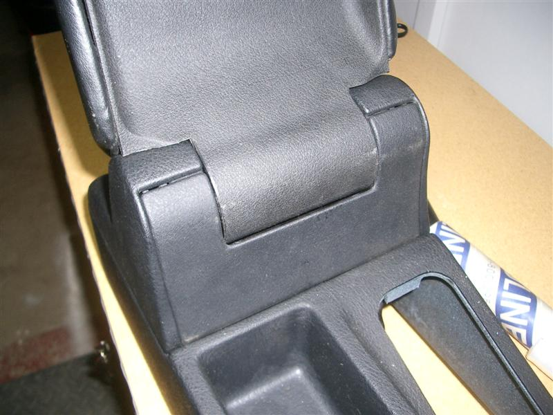 b9e5cbe3a6e12c8a81e962e693c8d7c1  BMW E36 Arm Rest Removal