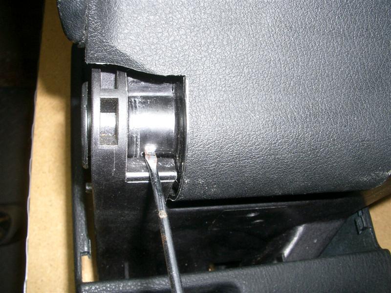 e2faa6f8e7ef8601f4ea6385f675edaa  BMW E36 Arm Rest Removal