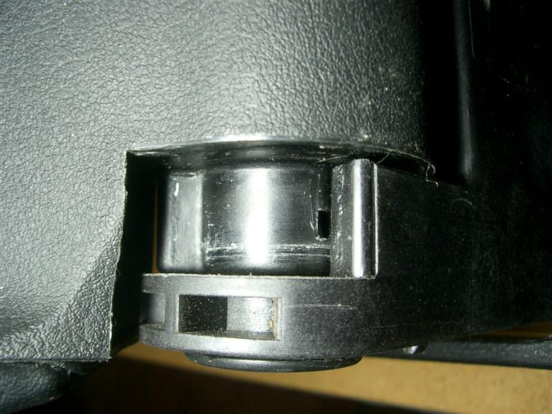e84e291647b24100ac427fb172dabcba  BMW E36 Arm Rest Removal