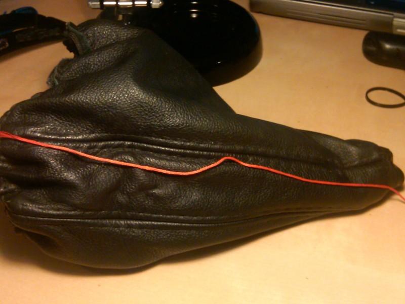 0781d41a0bb0f65b7ae4c76bd003e25e  Tri-Stitch M3 Style E-brake Boot