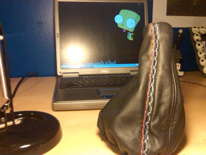 2716b15178d6d199f22e2d9d3e421563  Tri-Stitch M3 Style E-brake Boot