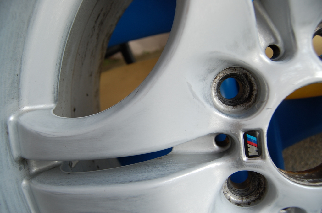b81151cdd6f4f524e8346f4913ba4c62  Refinish/Restore Curb Rashed wheels