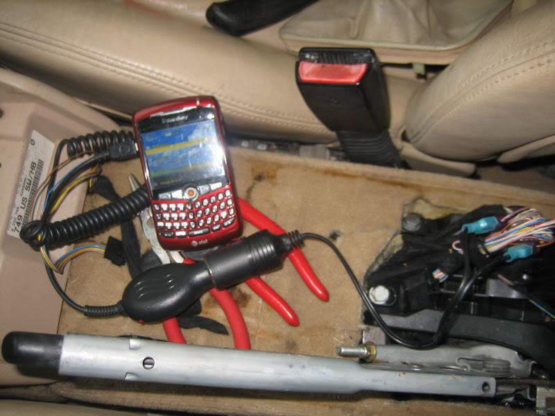 bf09f0c3561c2416405da0dfa15fc748  Center console power outlet
