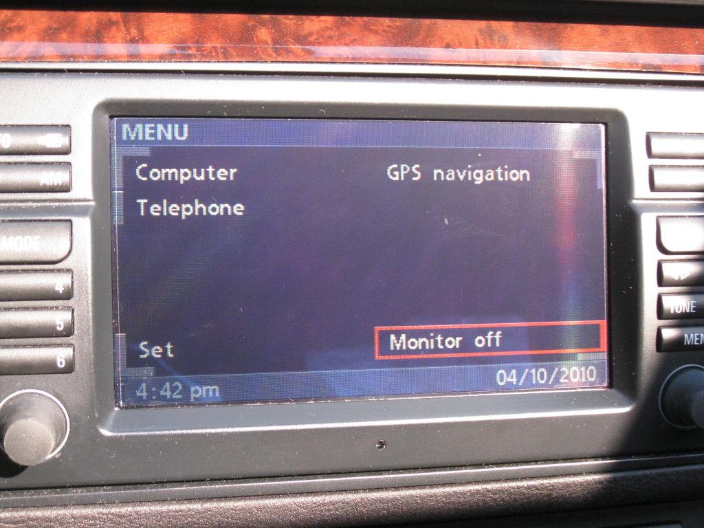 d088978098af53f4dd6ae1f766c4e718  Fix scratches on navigation LCD display