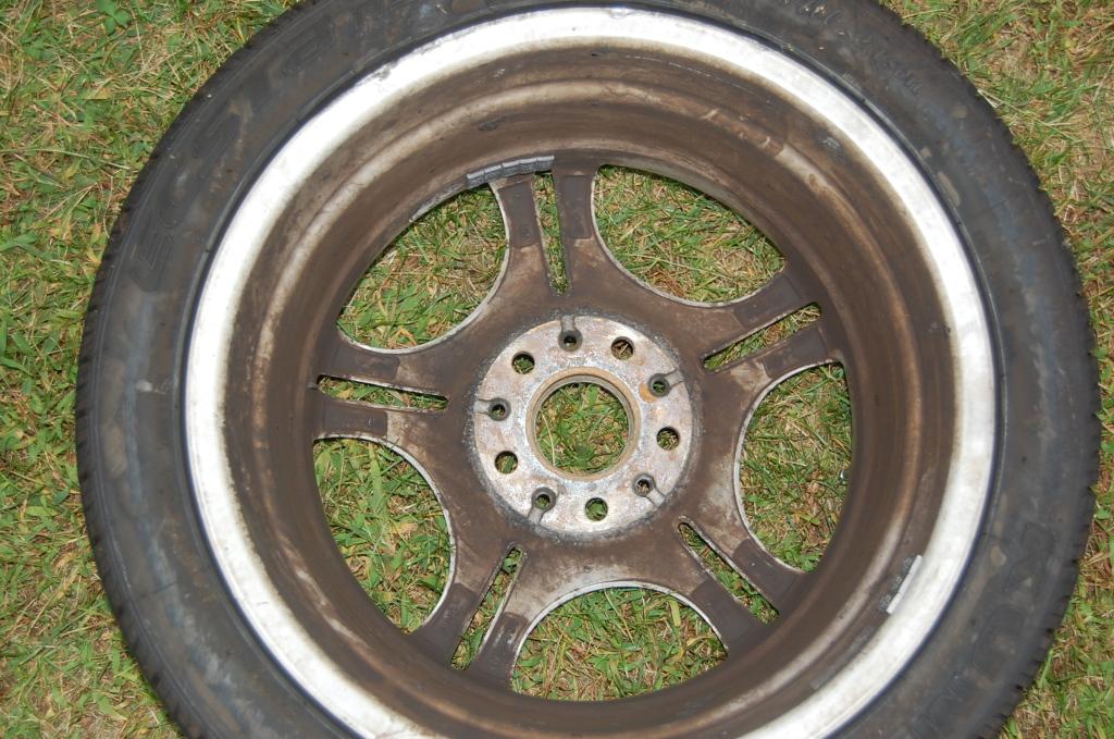 ef494ffce34eac3c699e76c8390a91fd  Refinish/Restore Curb Rashed wheels